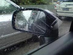 雨天开车怎么保持视线清晰