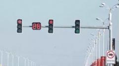 开车等红灯怎么迅速起步